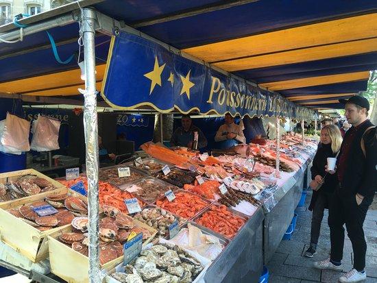 Bastille Market: 魚屋さん
