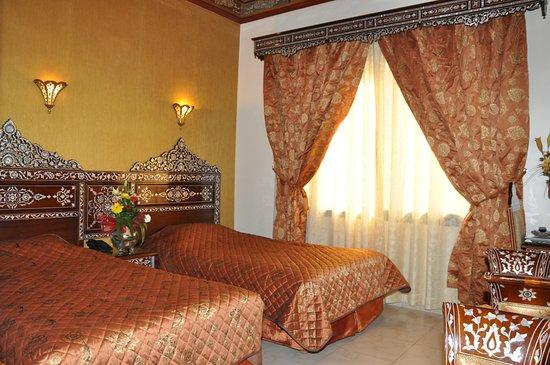 Al-Madinah City Hotel: deluxe twin room