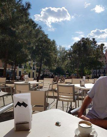 Plaza de Las Comendadoras: Great plaza