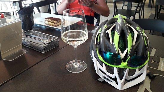 "Venetouring: Treviso bike tasting ""Tiramisu sweet cake"""