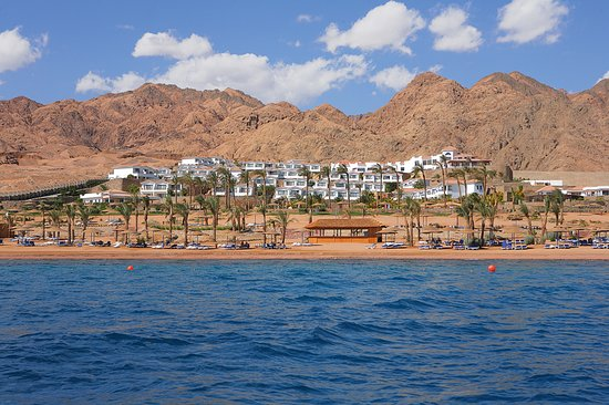 Ecotel Dahab Bay View Resort: Hotel Over View from Sea
