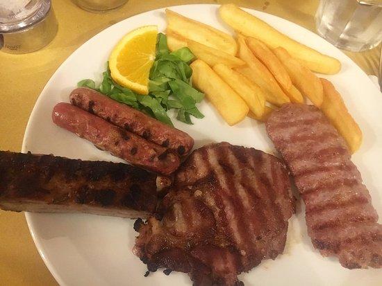 Castelnovo di Sotto, Italia: Grigliata mista del porco