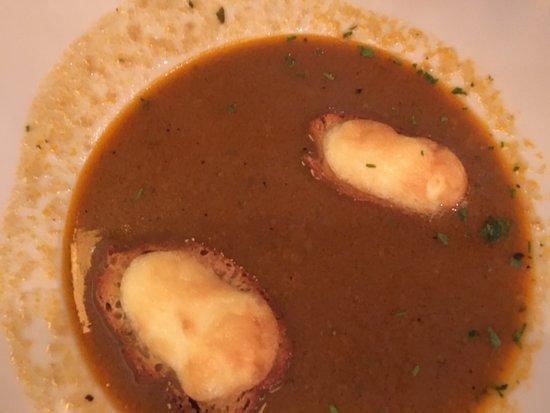 Edelweiss: Sopa de pescado con tostada crujiente