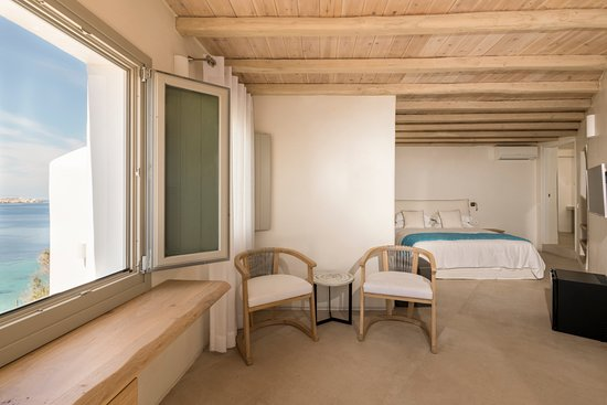 Legacy Suites: Junior Suite with Sea View
