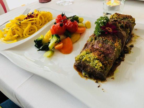 Restaurant Rathausgarten Aarau: Lamm unter der Kräuter-Kruste