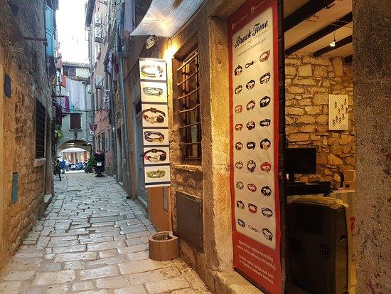 Break Time: What to buy from Rovinj, Istria. Nautical bracelets handmade in Croatia. Original Rovinj souveni