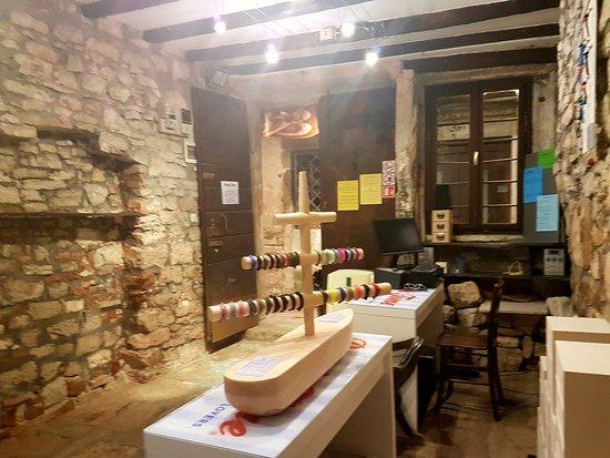 Break Time shop in Rovinj Old Town, Istria. Nautical jewellery handmade in Croatia.