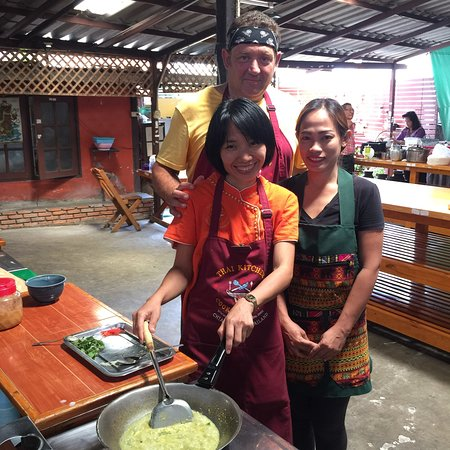 Thai Kitchen Cookery Centre: Cooking class on 2-3/6/18