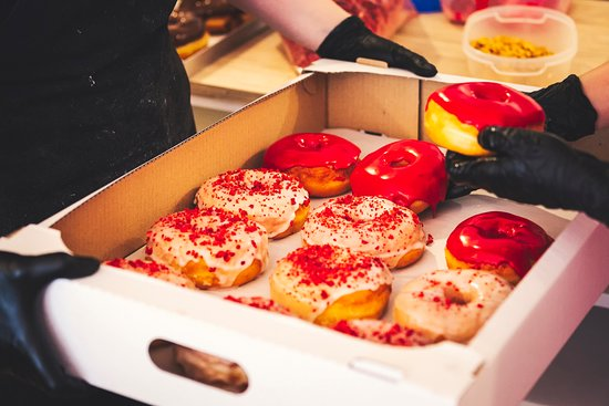 Bite a Donut照片