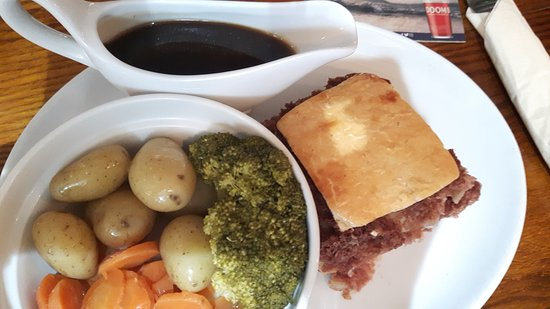 The Queen Catherine: Cornbeef pie meal