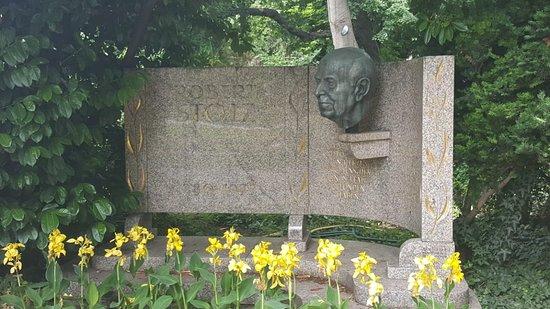 Denkmal Robert Stolz