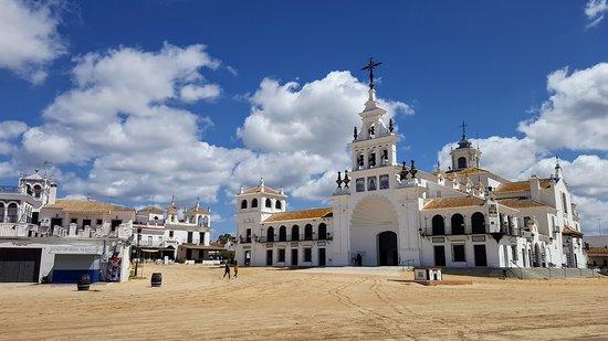 Almonte, España: sanktuarium Paloma Blanca położonym w wiosce El Rocío