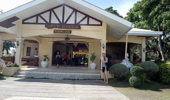 ออกทองเคฟรีสอร์ท: Resort Entrance