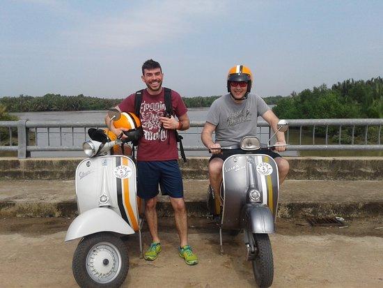 Vespa Adventures: Al Delta del Mekong