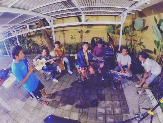 Hope Coffee Corner : Open Stage for jamming everyday