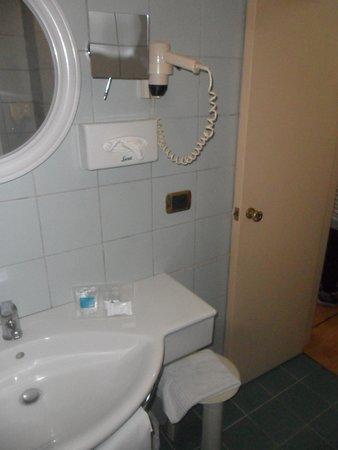 Hotel Tevere: bagno 3