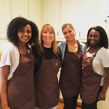 Dallas Chocolate Classes: Fun for families and small groups