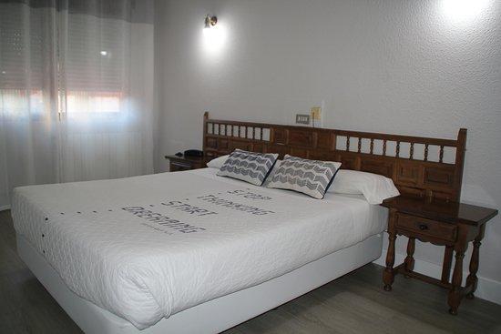 Hotel Marques de Santillana Photo