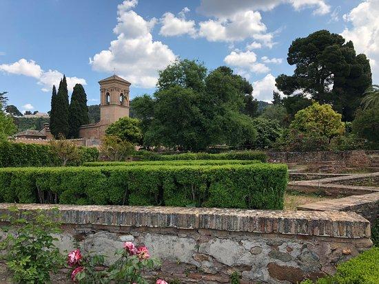 อัลฮัมบรา: inside Alhambra