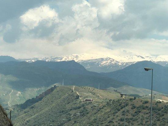 อัลฮัมบรา: Sierra Nevada range