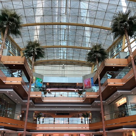 Detroit Marriott at the Renaissance Center Photo