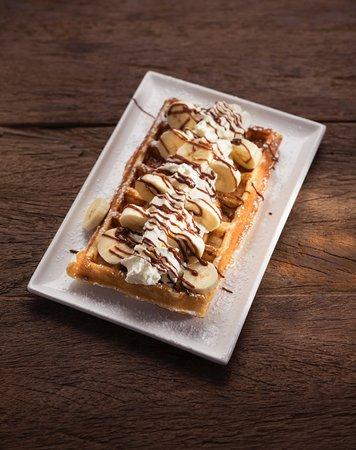 Balthasar: waffle banana whip cream