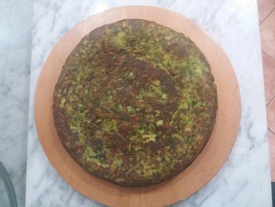 La Tavernetta dei Briganti: torta salata con spinaci,patate e panfritto
