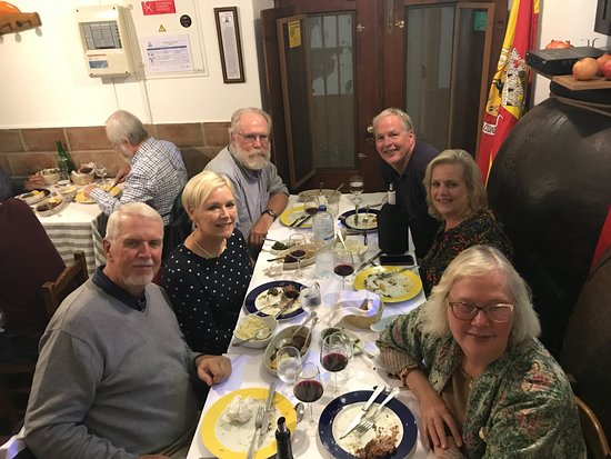 Taberna Tipica Quarta Feira: A night of great food, wine and fellowship!