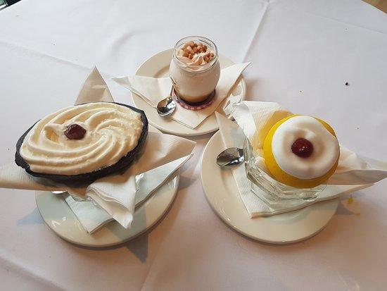 Grayshott, UK: Lovely desserts