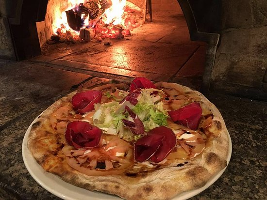 Ristorante La Cantina: Pizza gourmet con bresaola di Chianina!