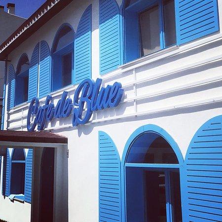 Cafe de Blue : Bizimkisi Bir Mavi Hikayesi...