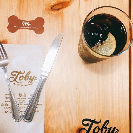 写真Toby Eats The World枚
