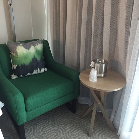 DoubleTree By Hilton at the Entrance to Universal Orlando: Features in room
