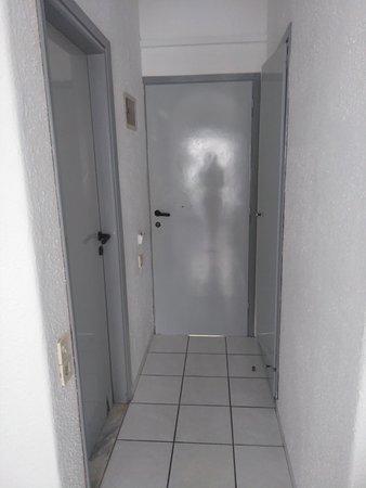 Hotel Iro: door