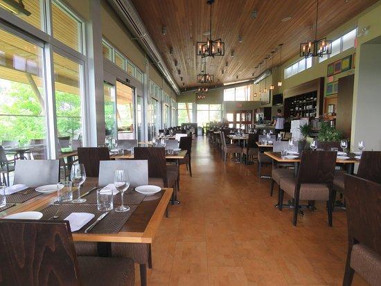 Miradoro Restaurant: Great decor, airy ambience