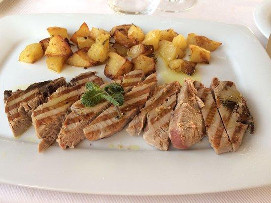 Granet Restaurant & Terraces: Tagliata di Tonno con patate