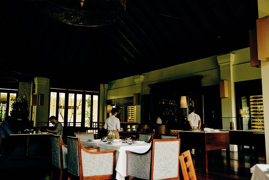 Anantara Angkor Resort : They serve very good food