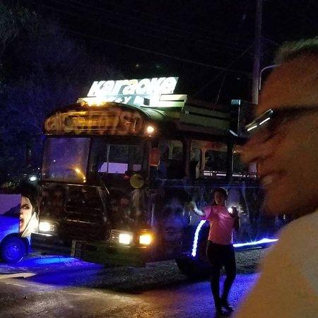 Karaoke Party Bus Aruba (Oranjestad) - Lo que se debe saber antes de viajar - TripAdvisor  Karaoke