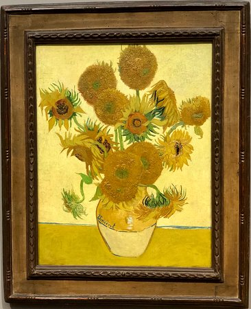Galeri Nasional: So, yeah, some flowers in a vase