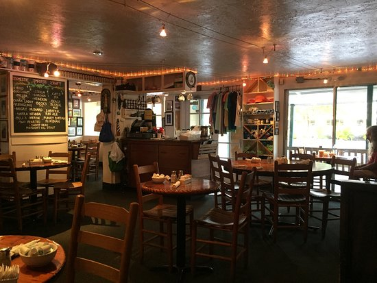 Lighthouse Cafe: interior