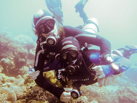 Dili, Timor oriental : This is Kate Barker and Ivan Shelley co owners of Dreamers Dive Academy