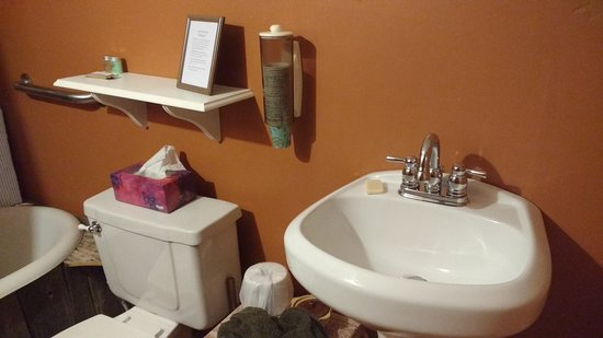 Applebrook Bed and Breakfast: Delightful and quaint