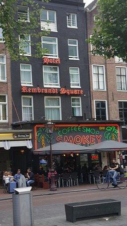 Rembrandt Square Hotel: Facade