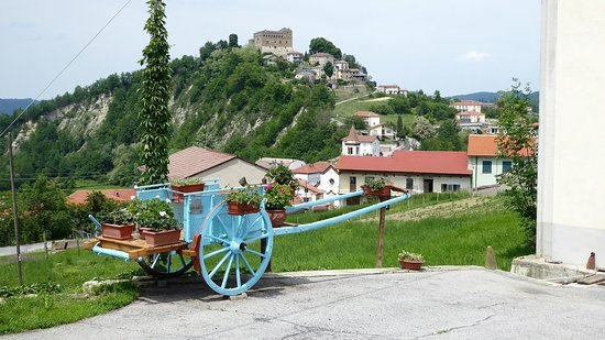 Prunetto, Italy: Vista sul castello.