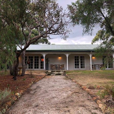 Llewellin's Guest House: photo5.jpg