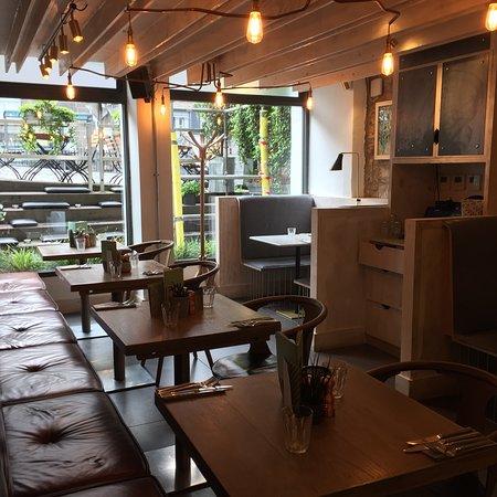Great bar/restaurant