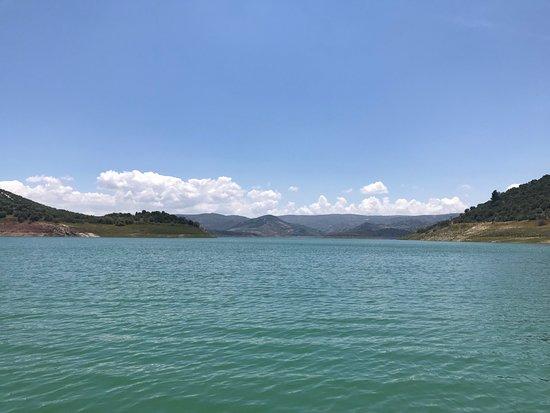 Andalucian Laketours: Blauwe hemel, blauw water