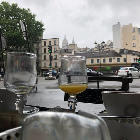Le Diplomate : View from outdoor seating