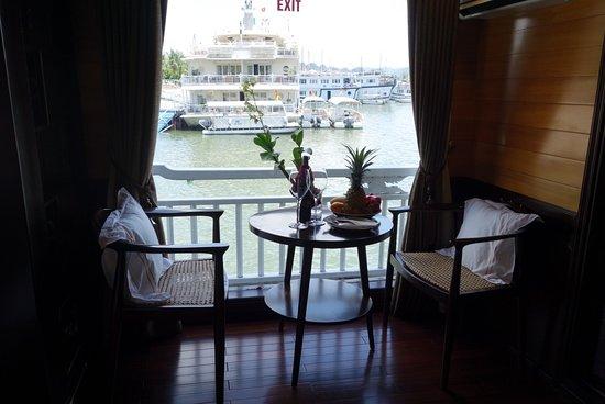 Hera Cruise - Private Day Cruise : 房間的雙人咖啡座