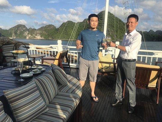 Hera Cruise - Private Day Cruise: 下午茶時光迎接下龍灣夕陽
